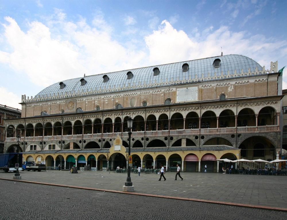 Padova, modificato il regolamento delle attività alimentari in centro storico